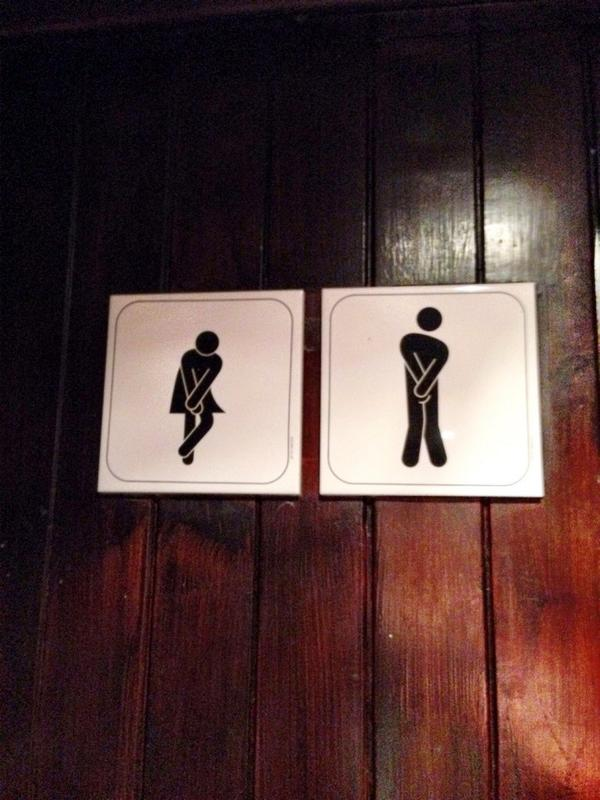 因みに、スコットランドのお手洗いはめっちゃウケる。