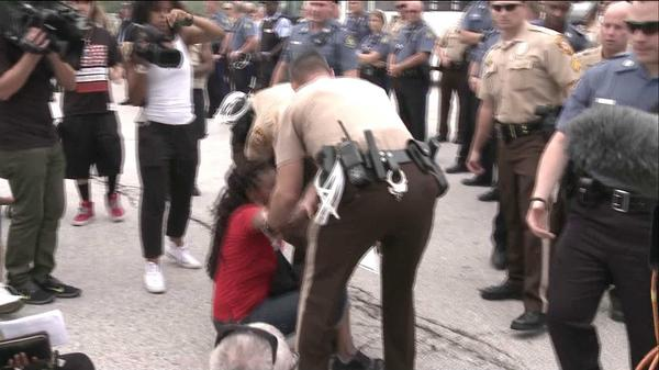 Michael Brown protesters arrested for blocking Highway 70 at Hanley (Pictures)