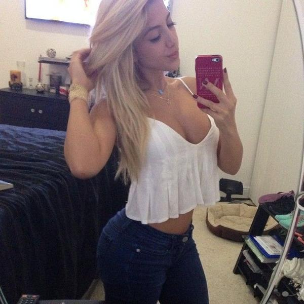 Thick Ass White Girl Twerking