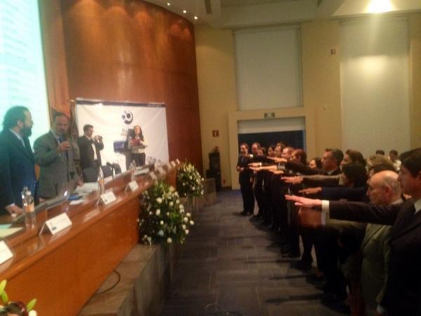 """""""@AccionNacional: El dirigente nacional @GustavoMadero toma protesta a Consejo Directivo 2014-2017 de @FRPH http://t.co/s0nATrMn46"""""""