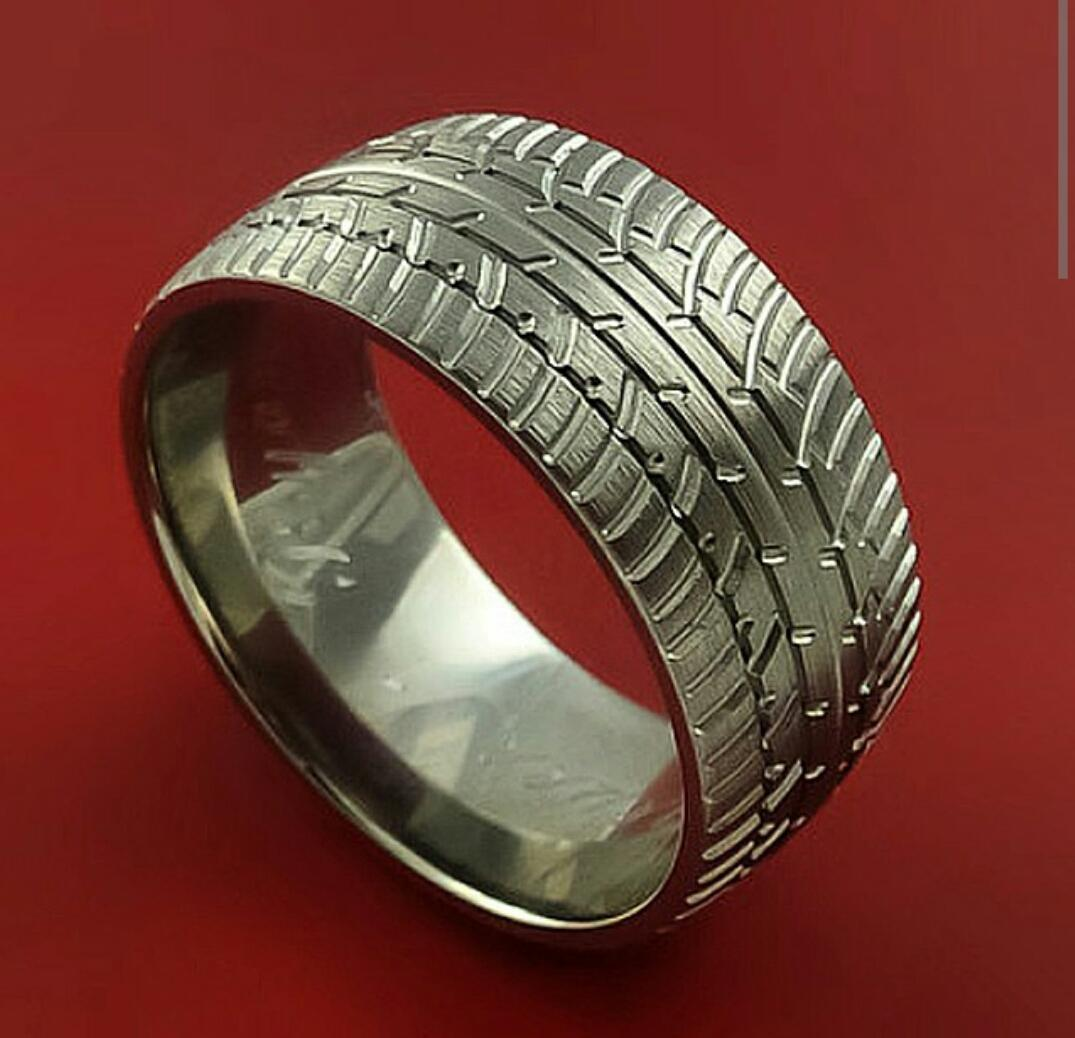 tire tread wedding band JDM on Twitter Car enthusiasts wedding rings be like Bocintegra http t co iCQRidBqkA