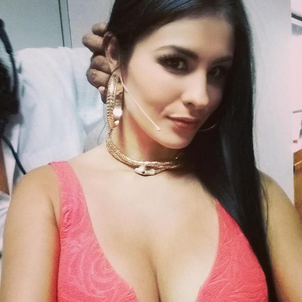 Fabiola Martinez On Twitter Guerra De Chistes Hoy 11pm Telehit