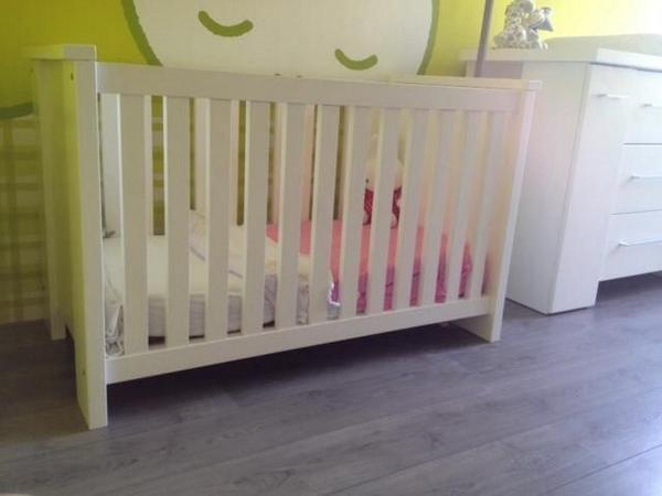 Complete Babykamer Marktplaats.Gezinus Knijp On Twitter Witte Tijdloze Complete Babykamer
