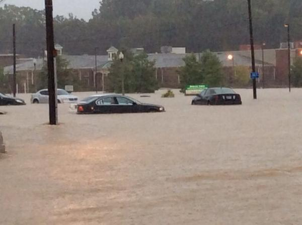 #Flashflooding. Stage Rd & Bartlett Blvd http://t.co/AOtxq7egcH