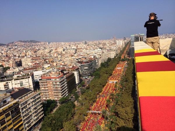 Foto d' @annapingu des de l'Atalaya. Brutal! #V #11s2014 #araeslhora #catalanswanttovote #Diada2014 #AdéuEspanya http://t.co/3HZV5cC5Aa