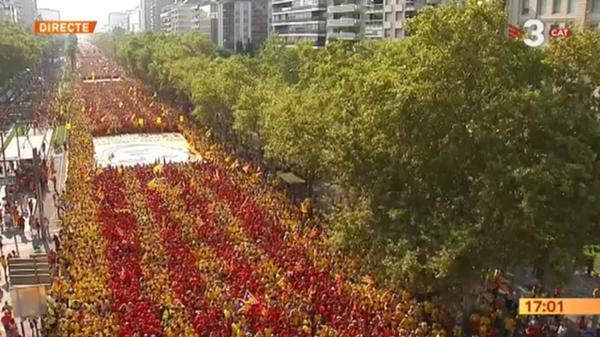 「カタルーニャも独立だ!!」 スペインで180万人の大規模デモ 平日に何やってんだこいつら