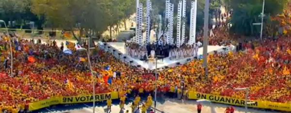 live from #Barcelona #11S2014 #unitspel9n #diada2014 #araeslhora http://t.co/ez0HBLLl6s