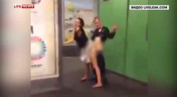 В Берлине пара занялась сексом прямо в метро