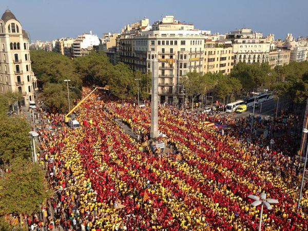 Pell de gallina. La V baixa a les 17.14h al seu pas per Diagonal/pg.Gràcia. #vrac1 http://t.co/V0ETfA2Apq