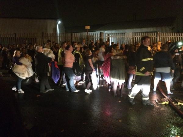 Hundreds of people still turning up with food and blankets at Manchester Dogs Home. http://t.co/FZ7VTjM3ld