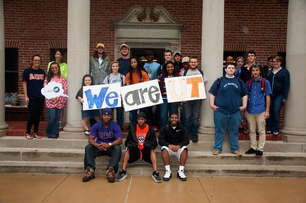 Ashley Kilburn's marketing students say We Are UT! #iamUT http://t.co/bBYka4lo1M