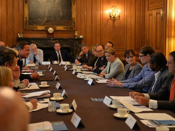 Here's David Cameron meeting grocery bosses at No 10 yesterday: http://t.co/xQVRJjzaLq http://t.co/YizhLZgCFi