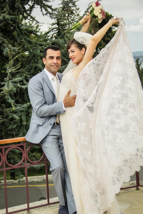 7 yıldır beklenen düğün bu akşam Fox'da.. Hepiniz bu akşam 23.30'da bu muhteşem düğüne davetlisiniz. http://t.co/hlArpMGVaS