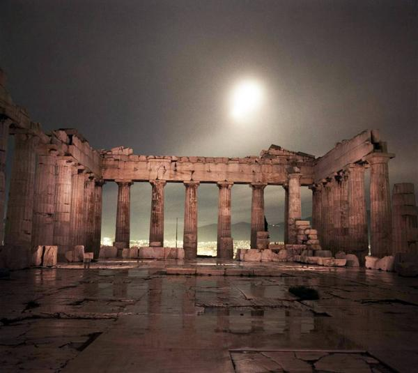 whispers from greece on twitter inside the parthenon
