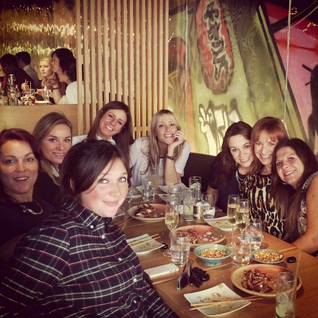 RT @joleneellis: Birthday lunch!!!! @Nicole_Appleton @KathLudlow @mouthwaite @Knibbsy http://t.co/dGB8lyYW0K