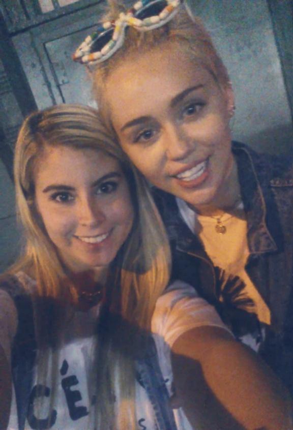 Laughing with @MileyCyrus lol http://t.co/MDpc6HaW1D