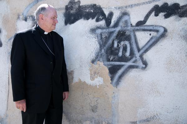 @bishoppates on #PeacePilgrimage in #HolyLand. Site holy to Israelis but on Palestinian side. @USCCB @CatholicRelief http://t.co/p8c8sV9ukB