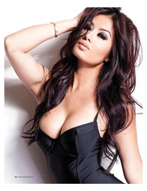 My #Incredible  Friend Kim Lee @OfficialKimlee, #1SexiestWoman Of The #World - #FHM2011 http://t.co/ejQKb9Jqls