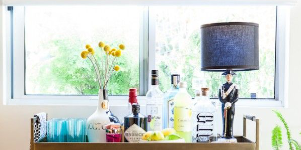 How to build the perfect bar cart in just six easy steps: http://t.co/eyxUDvRMKg http://t.co/HMErb3uTbT