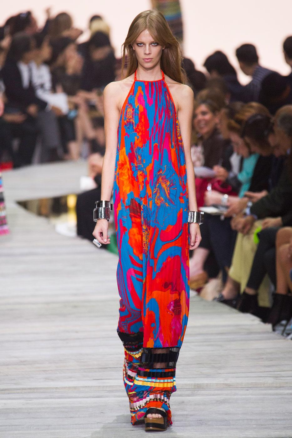 -@Roberto_Cavalli designs the ultimate summer holiday wardrobe for #SS15 http://t.co/QGMrzj1zM4 #MFW http://t.co/LBpmIeyqrm