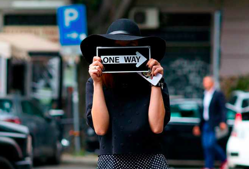 This way to the best of #MilanFashionWeek street style http://t.co/POubSDZJwJ http://t.co/Uvw23gzzaH