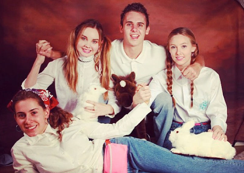 This awkward family photo is just the beginning: http://t.co/SLhgW16stv http://t.co/rgIx3yzoKd
