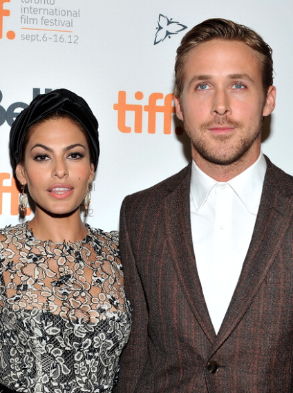 THERE IS A GOSLING BABY!!! Congratulations to Eva & Ryan! http://t.co/3kNXGFuspj http://t.co/GccnE6x9yJ
