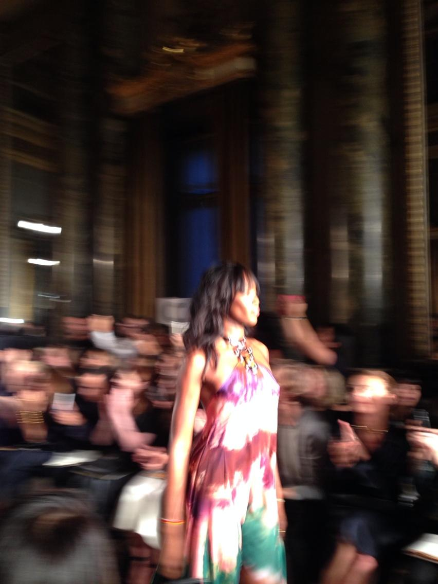 Naomi Campbell on the @emiliopucci #mfw catwalk http://t.co/BneC6wbuBu