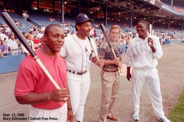 Sept. 13, 1990 / Hanging out at The Corner: @BarrySanders, Cecil, Stevie Y, Joe D. @freep #archives @freepsports http://t.co/gh7oUBxL6R