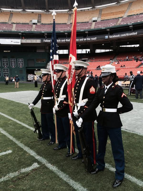 .@usmarinecorps prepares to present the colors at #nationsclassic at #rfkstadium in Washington, DC. http://t.co/rQoSjxh5fK