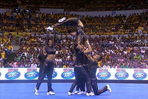 Final pose of the NU Pep Squad during the UAAP Group Stunts Competition #UAAPCDC2014 http://t.co/nbSLuAnQVo