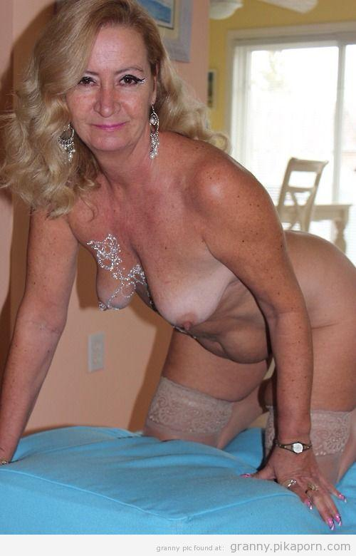 Cougar Mellanie Monroe Pantyhose