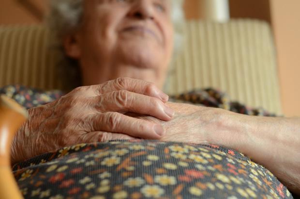 睡眠時間が短い人の脳は老化が早い。最適の睡眠時間は7時間。(先月の記事) http://t.co/uWrHgZv67l http://t.co/g13FZDzFSm