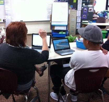 One more photo from Room 109's Learning Community Chrome Parent Meetings.#GOCHROMIES #middie30 http://t.co/7h4RXFLHe3