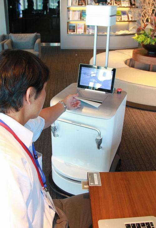 Als deze printer de testfase doorkomt, komtie je printje gewoon brengen: http://t.co/4eTXUxl4t2  #tech #robot http://t.co/fS0M0xUmpL