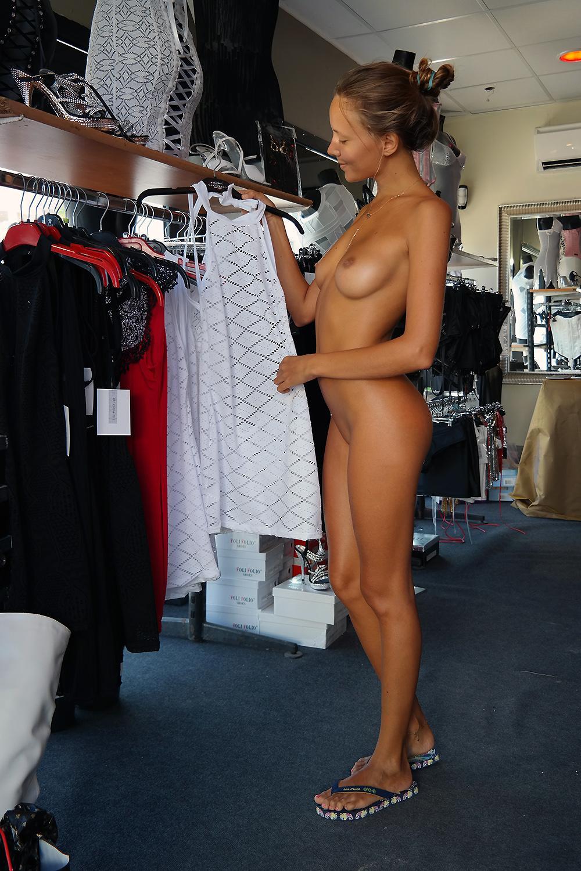 Фото шоппинг голых женщин — pic 13