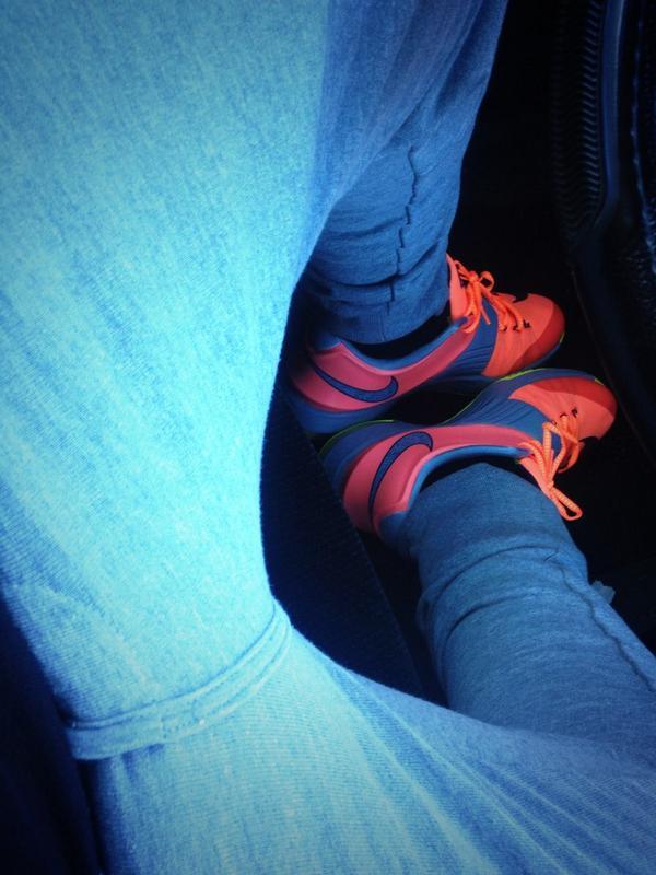 035965b5b544de Crispy Kicks ( CrispyKicks)