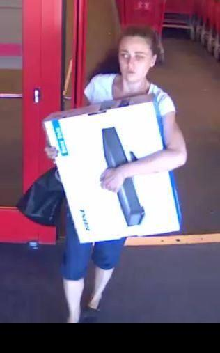 bellevue wa police on twitter i stole a bose sound system from the target store in factoria who am i contact bvuepd http t co 0zsu5n7i45 twitter