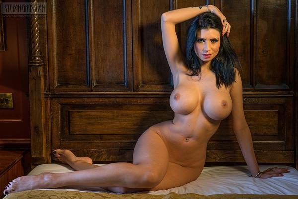 шикарная фигура голой девушки фото