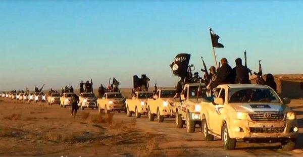 【疑問】なぜシリアやイラクの『イスラム国』を名乗る武装テロ集団や、NATOに援助されたリビアの武装集団はこんなに多数の新品TOYOTAを持つのだろう? #ISIS #Syria #Toyota http://t.co/3kqfMbiF5u