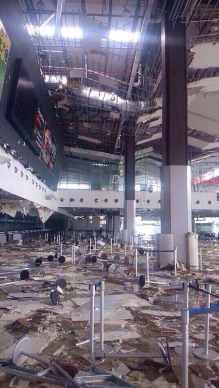 First look inside the Los Cabos Airport. No flights for a while. (Credit: @jimmyverduzco): http://t.co/cC8gY2rs1H #Odile