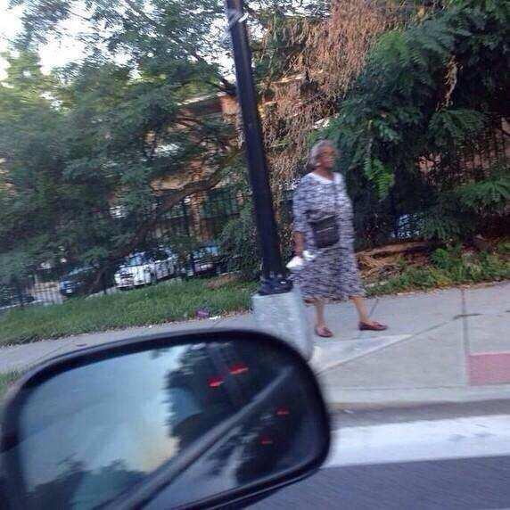 And people try to tell me that Madea doesn't exist. This is a real picture of a lady walking down the street. ;) http://t.co/dY2g1tyYZJ