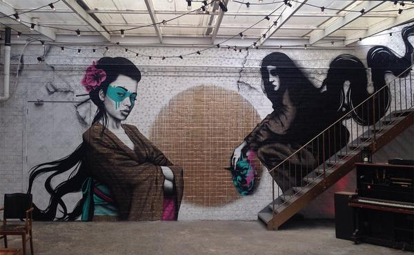 A decent final shot of mine and @findac 's wall, 'The Raven & The Rose'. #eelus #findac #streetart #urbanart #mural http://t.co/UYzhbeBglB