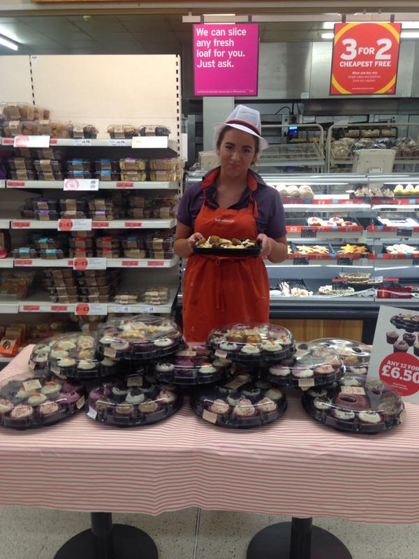 Hayley Phillips On Twitter Freshly Made Cupcake Platters