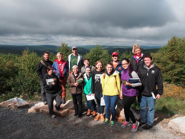 #Bucknell Field Botany class on Jones Mtn. this a.m. Ridgetop Acidic Barrens. #botany #iamabotanist #IAmANaturalist http://t.co/1sAPJWsl35