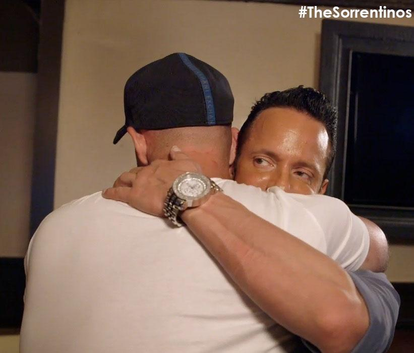 RT @TVGN: So happy @ItsTheSituation & @frankiestylze could hug it out. RETWEET if you agree! #TheSorrentinos http://t.co/GYJ6Nm1bJY