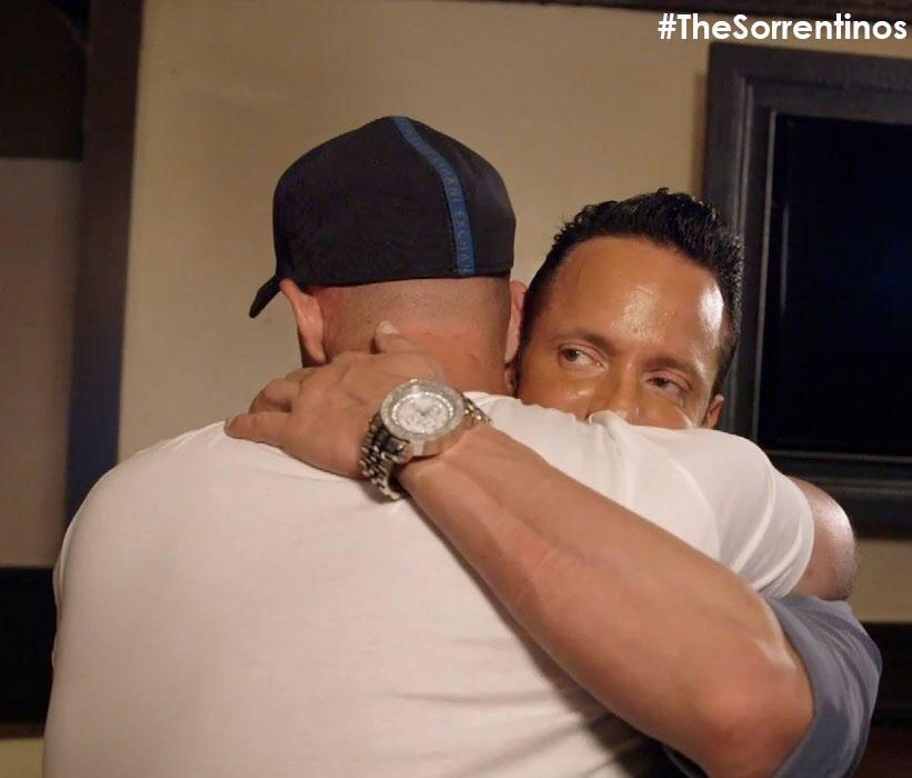 RT @kymnasium: lol RT @ItsTheSituation: Would you trust a man that looks like this @tvgn @ItsTheSituation #TheSorrentinos genuine? http://t…