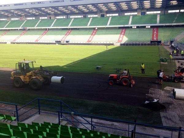 Le stade Michel d'Ornano - Page 4 Bxu8liEIUAAQXaP