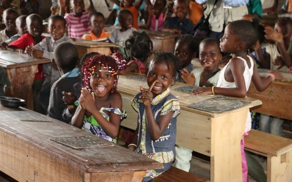#Children around the #world are #backtoschool, so are #WFP school meals -- in #pictures http://t.co/q1yxhbJOb3 http://t.co/i3HFaAaU7j