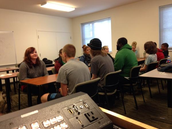 A little speed dating in our uni class #gettoknoweachother @marshallu #marshallWOW #bestdecisionever http://t.co/IXlJsphCZR